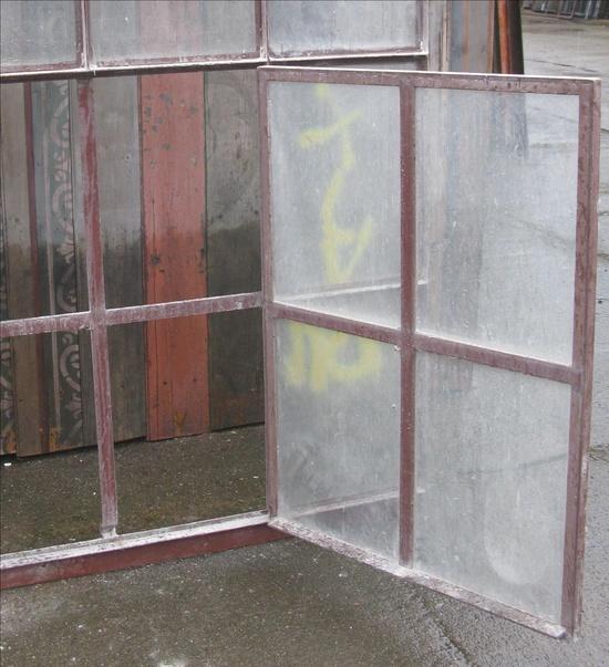 industrie eisenfenster mit rundbogen und kleinen drehfl gel berlin spandau historische. Black Bedroom Furniture Sets. Home Design Ideas