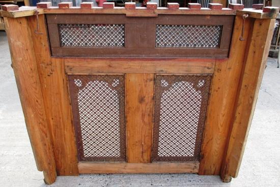 Heizkörperverkleidung Holz heizkörperverkleidung holz mit ornamentstanzblech historische
