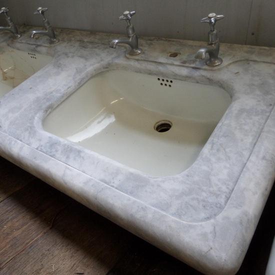 doppelwaschbecken keramik mit marmor ablage historische bauelemente jetzt online bestellen. Black Bedroom Furniture Sets. Home Design Ideas