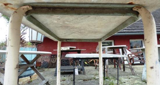 tischgestell mit marmorplatte historische bauelemente jetzt online bestellen. Black Bedroom Furniture Sets. Home Design Ideas