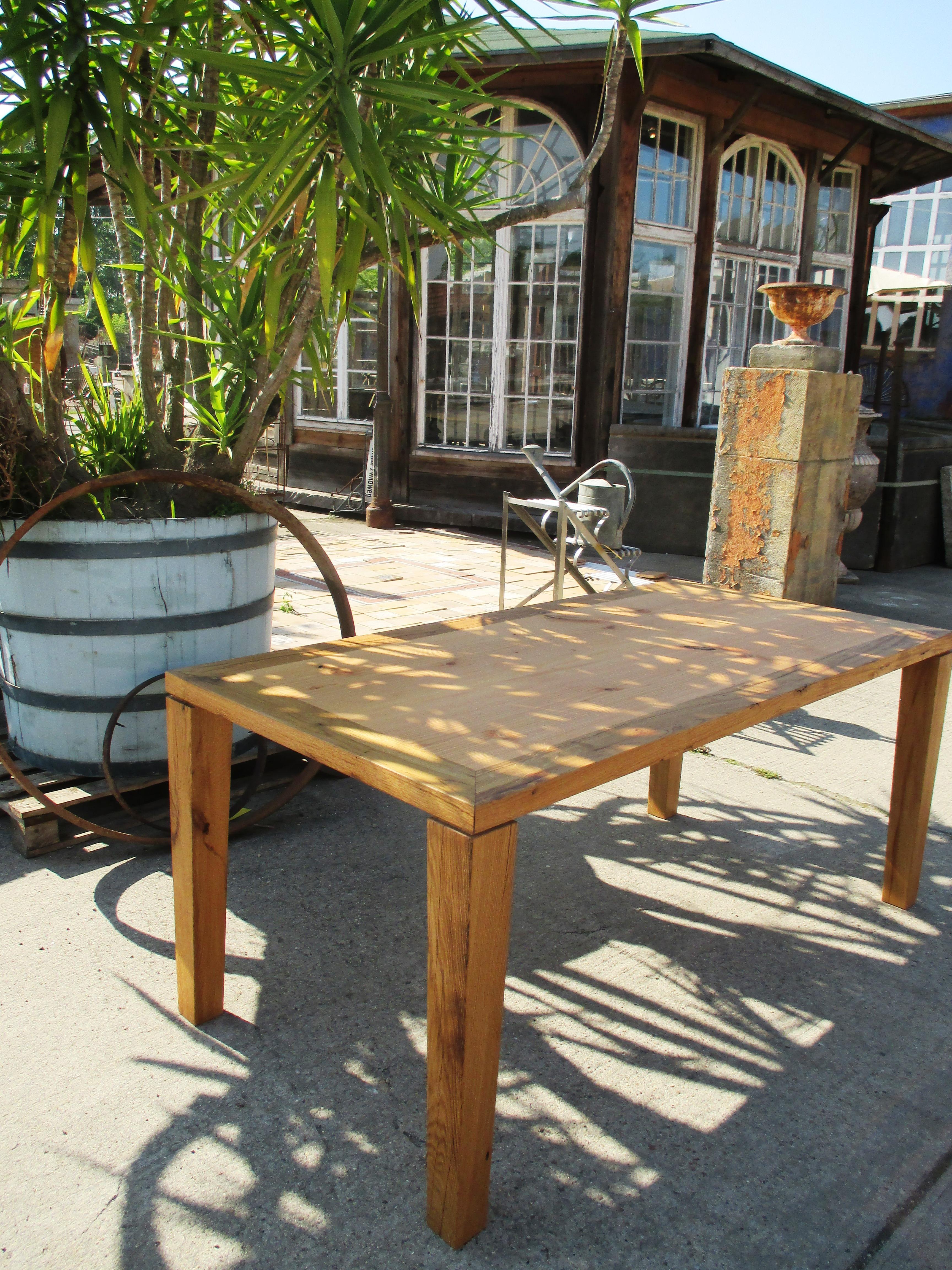 Holztisch aus eiche in verbindung mit douglasie for Holztisch eiche