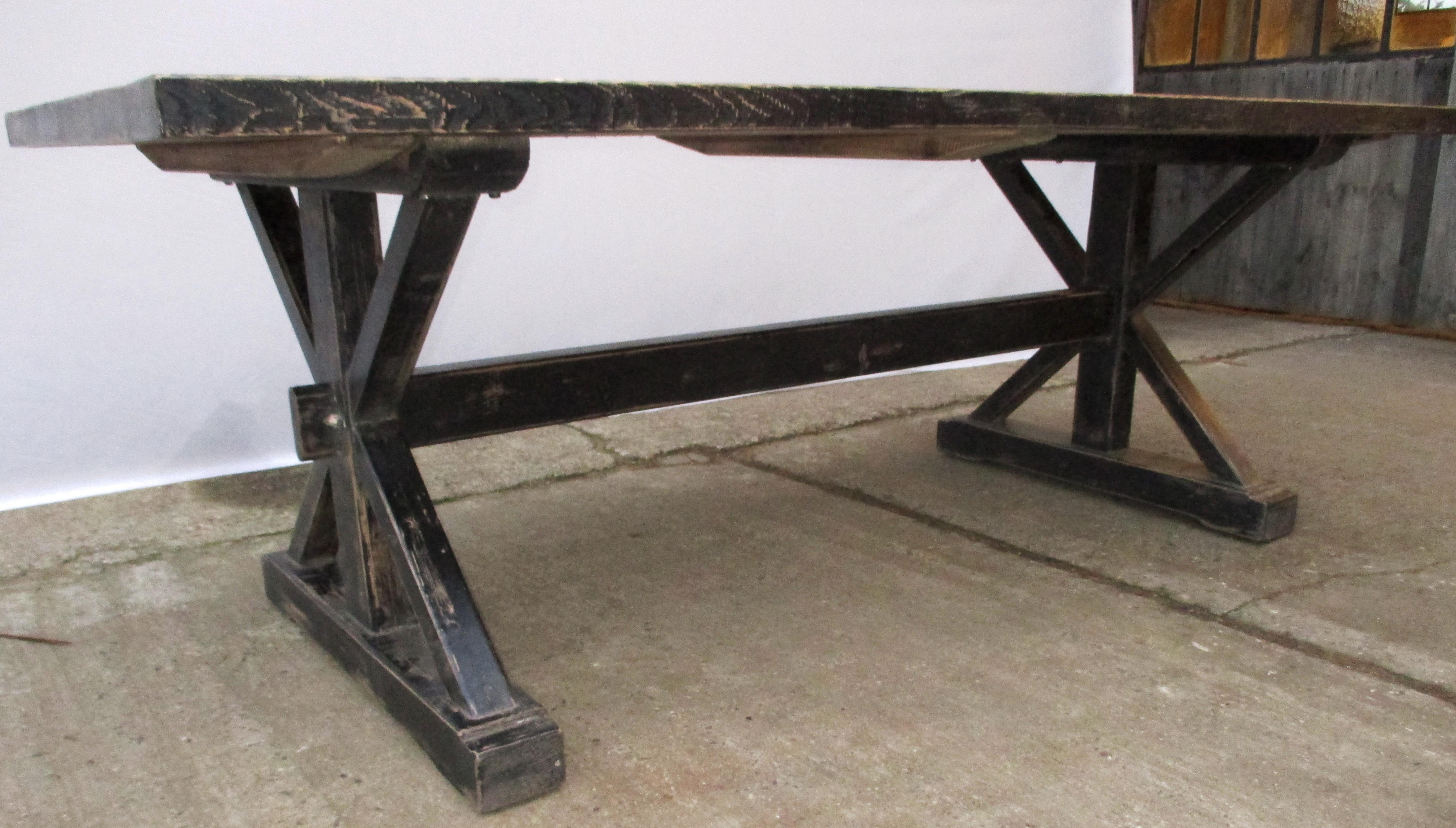 esstisch blacky mit schwarzer patina historische. Black Bedroom Furniture Sets. Home Design Ideas