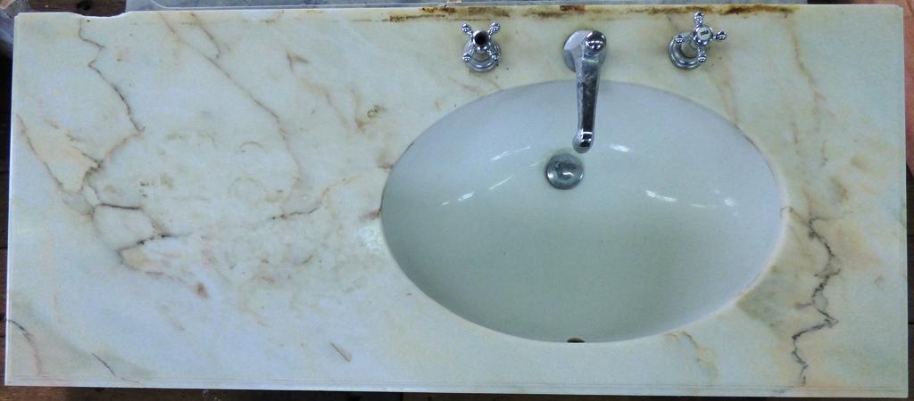 waschbecken keramik mit marmor ablage berlin wannsee historische bauelemente jetzt online. Black Bedroom Furniture Sets. Home Design Ideas